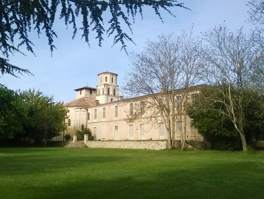 abbaye-vertheuil-2
